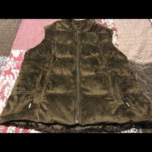 2xl chocolate brown Eddie Bauer vest